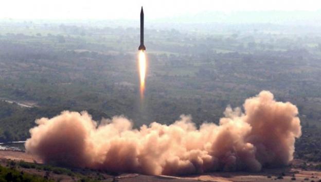 Kuzey Kore'nin balistik füze fırlattığı iddia edildi