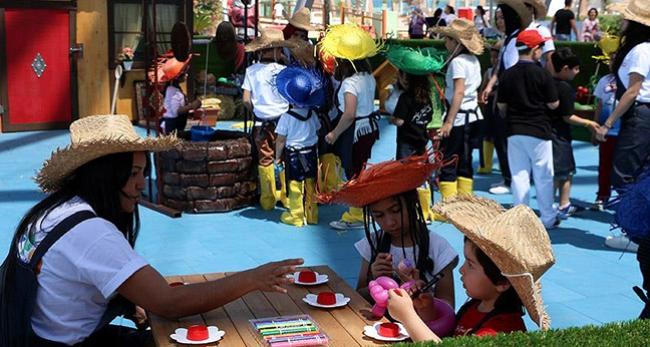 23 Nisan'ı 'EXPO'da kutladılar
