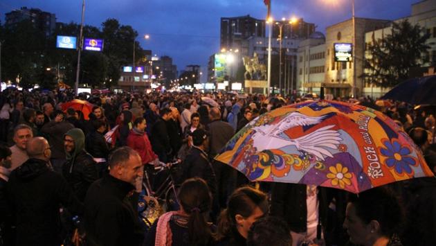Makedonya'da siyasilere yönelik protestolar sürüyor