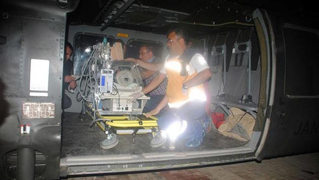 Askeri helikopter hayati tehlikesi olan bebek için havalandı