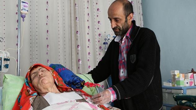 Hasta anneye büyük vefa