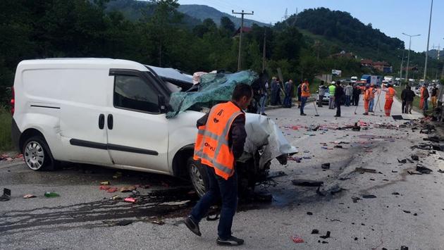 Düzce'de feci kazada 1 kişi hayatını kaybetti