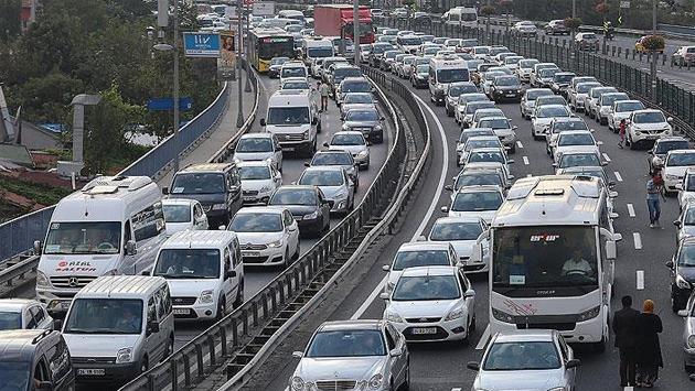 Türkiye'de trafiğe kayıtlı araç sayısı kaç oldu?