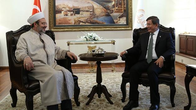 Başbakan Davutoğlu'ndan Diyanet İşleri Başkanı'na ziyaret