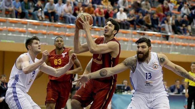 Galatasaray Odeabank galibiyetle kapattı