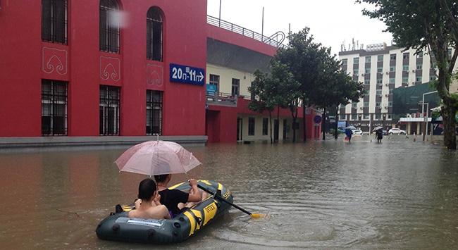 Çin'de şiddetli yağışlar: 140 ölü