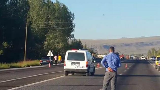Polis aracına bombalı saldırı