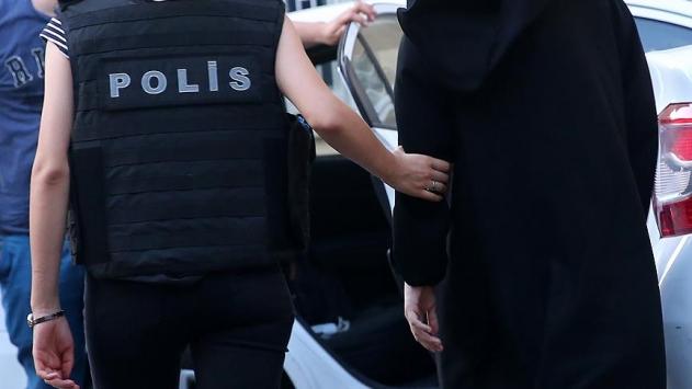 FETÖ'nün 20 'abla'sı gözaltına alındı