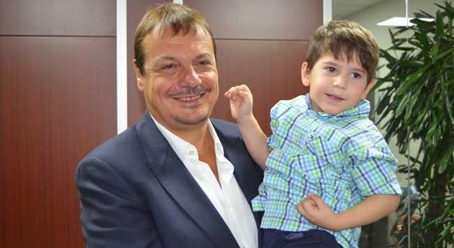 Ergin Ataman'dan serebral palsili çocuklara destek