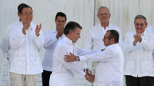 Santos Nobel Barış Ödülü'nü halkına ithaf etti