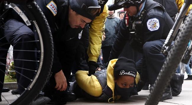 ABD'de 'Kara Cuma' protestosu