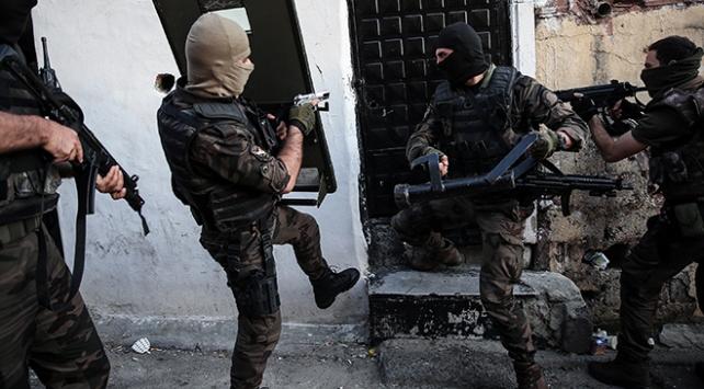 Mersin'de 245 polisle şafak baskını