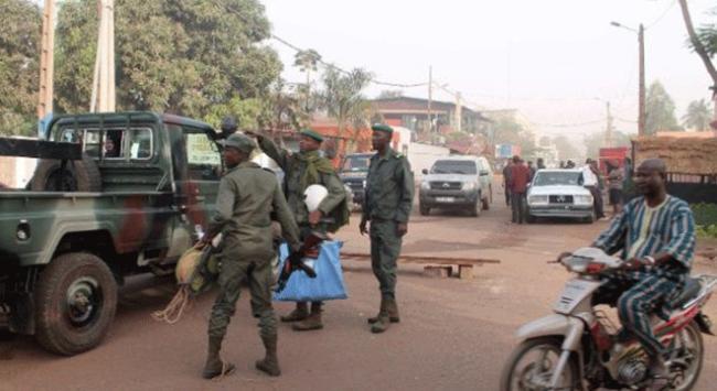 Mali'de askeri kampa silahlı saldırı