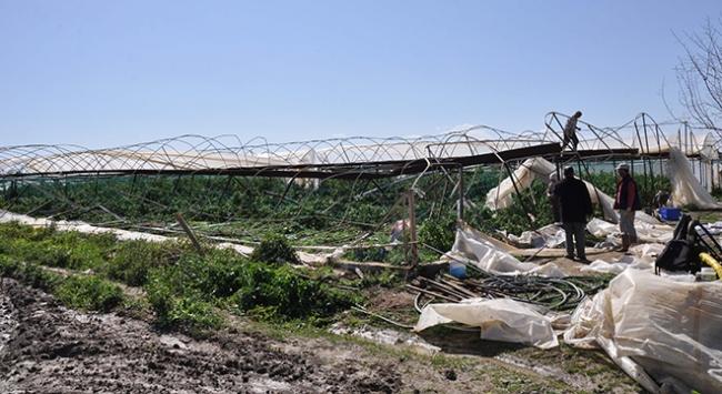 Antalya'da hortum seralarda zarara yol açtı