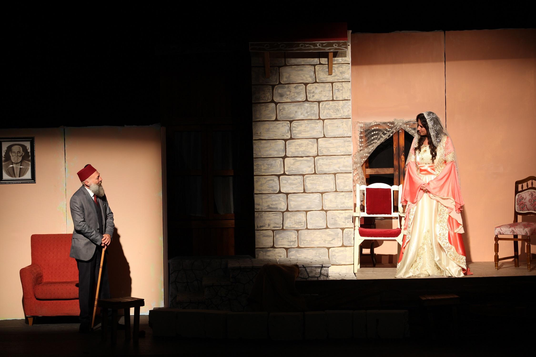 Denizli Büyükşehir'den Dünya Tiyatrolar Günü şöleni