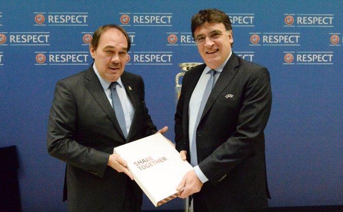 Türkiye'nin UEFA EURO 2024 adaylık broşürü açıklandı