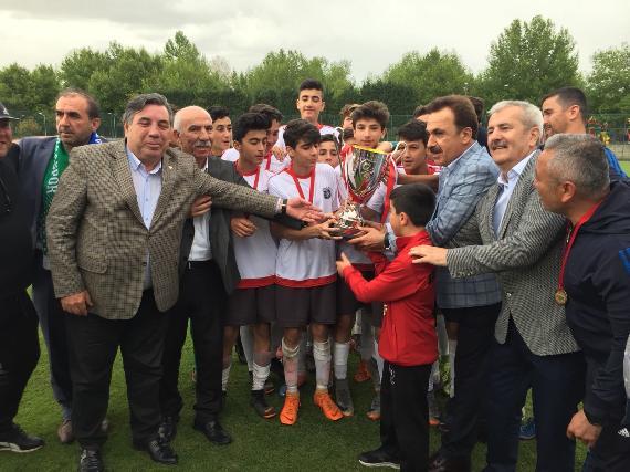U14 Türkiye Şampiyonu TSE Arabayatağıspor oldu