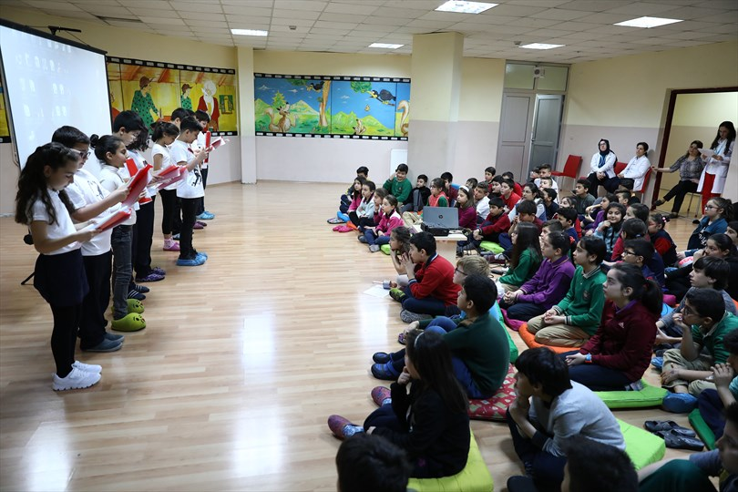 Denizli'de Büyükşehir öğrencileri, Mehmet Akif'i Andı