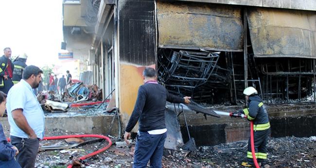 Mobilya imalathanesi çıkan yangında küle döndü