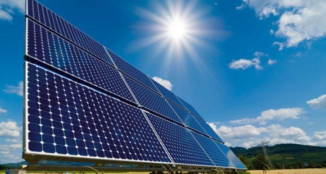 Türkiye'nin en büyük güneş santrali yarın açılıyor