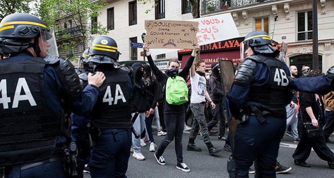 Fransada binden fazla gösterici sorgulandı