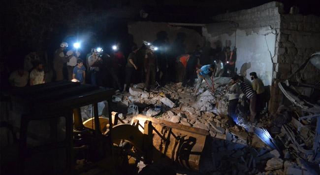 Rus uçakları İdlib'e saldırdı