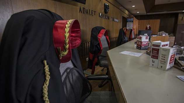 10 hakim ve savcıya gözaltı kararı