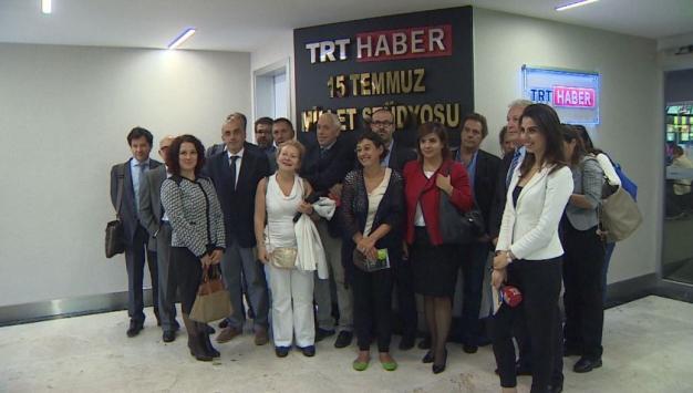 Yabancı gazetecilerden TRT'ye ziyaret