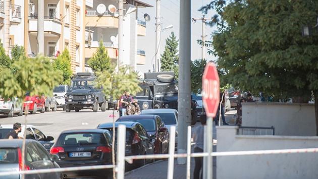 Gaziantep'te yakalanacağını anlayan teröristler kendilerini patlattı