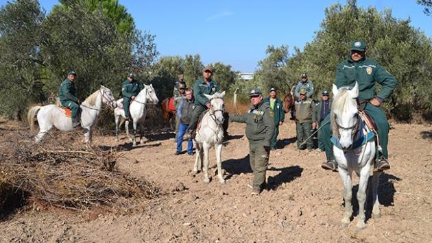 Yeşil altını atlı bekçiler koruyor