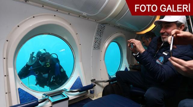 Antalya'da turistik denizaltı heyecanı