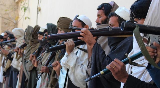 Afganistan'da Taliban'a büyük darbe vuruldu