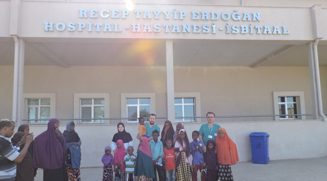 Somali'deki Recep Tayyip Erdoğan Hastanesi şifa dağıtmayı sürdürüyor