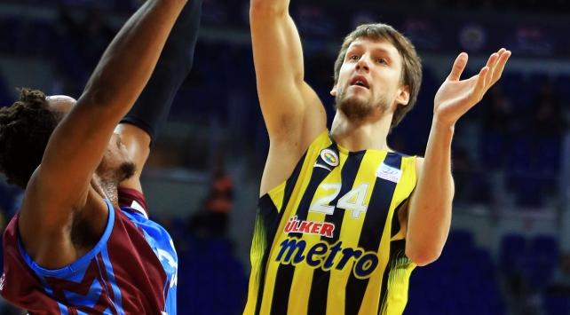 Fenerbahçeli oyuncu sakatlandı