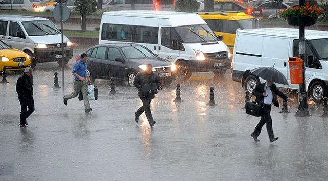 İstanbullular dikkat Meteoroloji saat verdi
