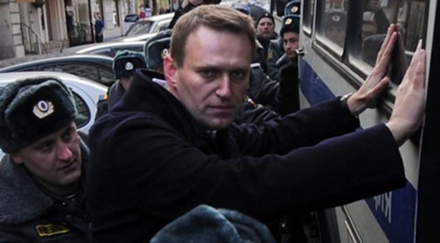 Gözaltındaki Rus muhalif lidere hapis cezası