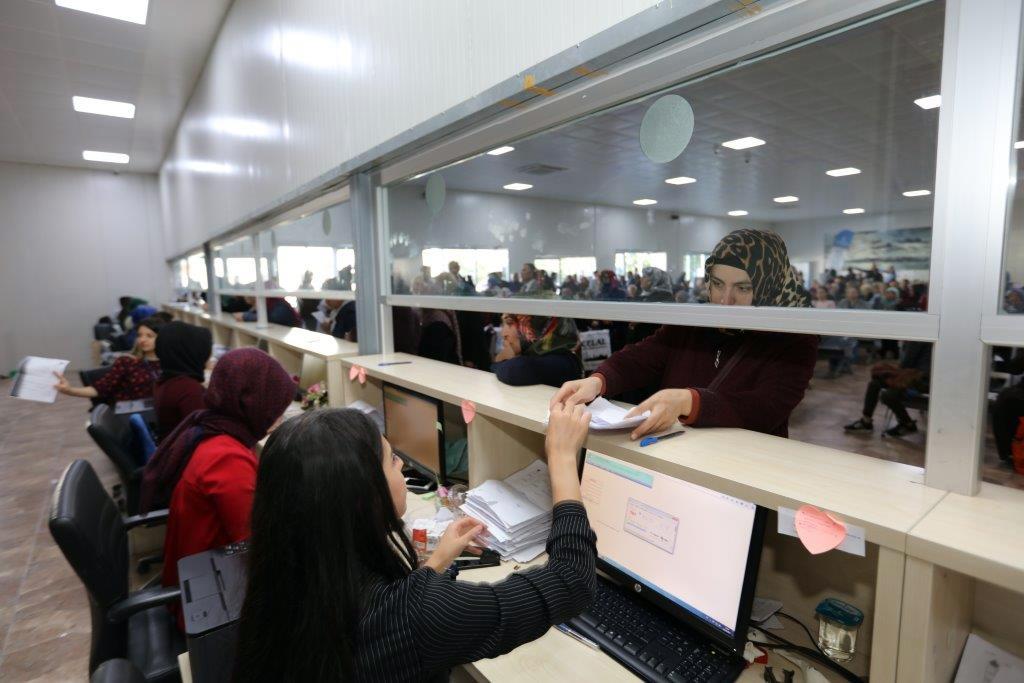 İstanbul'da Eğitim Yardımları Devam Ediyor