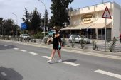 Kıbrıs coronavirüs kilitleme uzanan, gece sokağa çıkma yasağı getirir