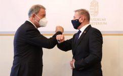 Türk ve Macar savunma şefleri işbirliğini tartışıyor