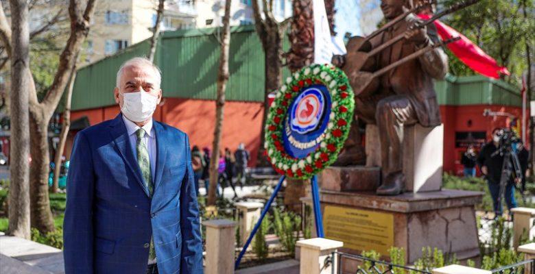 Denizli Büyükşehir, usta halk ozanı Özay Gönlüm'ü unutmadı